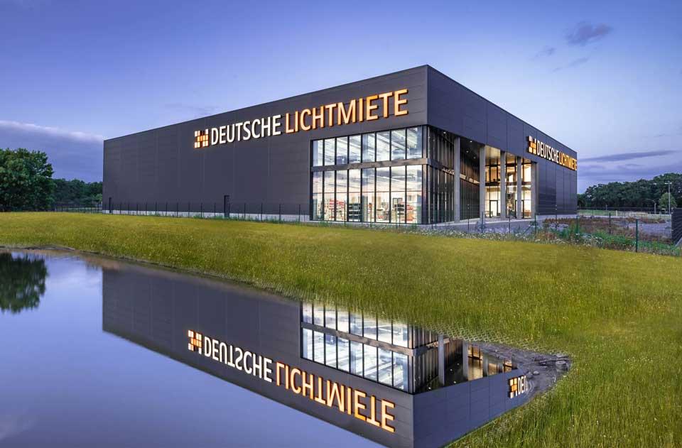 Neues Produktionsgebäude der Deutschen Lichtmiete in Sandkrug