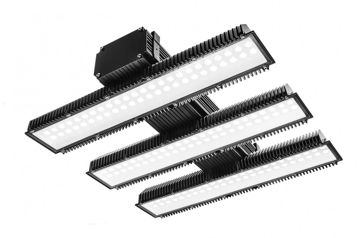 Hallendeckenstrahler sorgen für optimale Lichtverhältnisse am Boden.